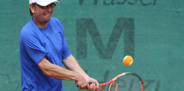 Tennistraing oder Schlägertest mit Beratung vom Profi ..